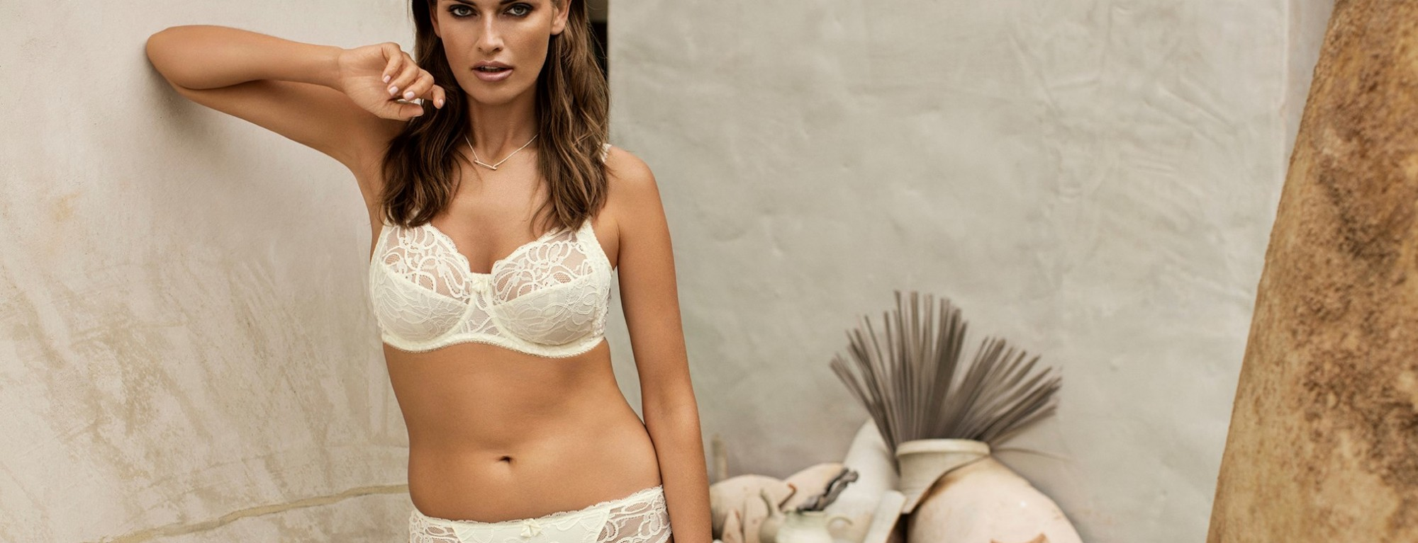 FANTASIE-LINGERIE-JACQUELINE-LACE-IVORY-UW-FULL-CUP-FL9401-THONG-FL9407-CONSUMER-WEB-SS17
